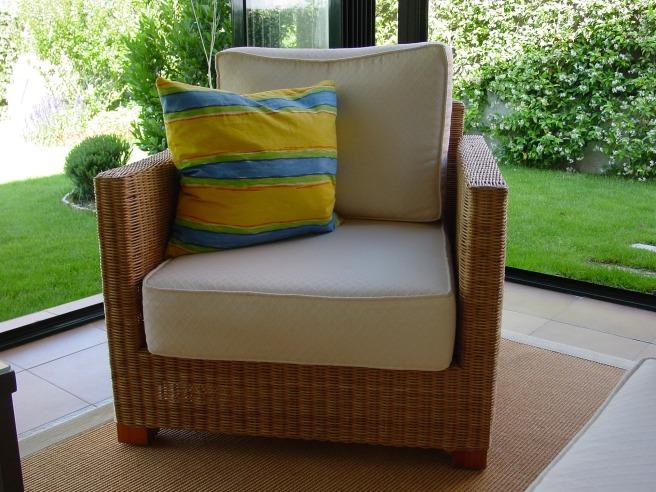 armchair-1812206_1920