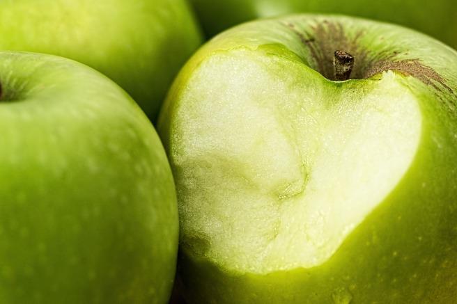 apple-1051018_1920