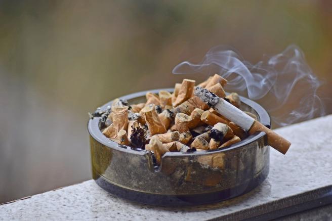 ashtray-3365285_1920