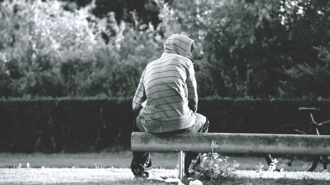 bench-1835073_1920