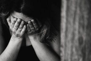 alone-anxious-black-and-white-568027.jpg