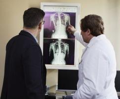 doctor-explaining-explanation-2182972