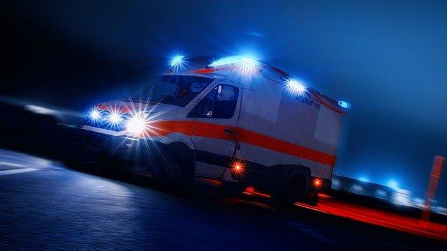 ambulance-4166901_640 (1).jpg